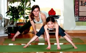Ashleigh_Athena_Family Yoga WS